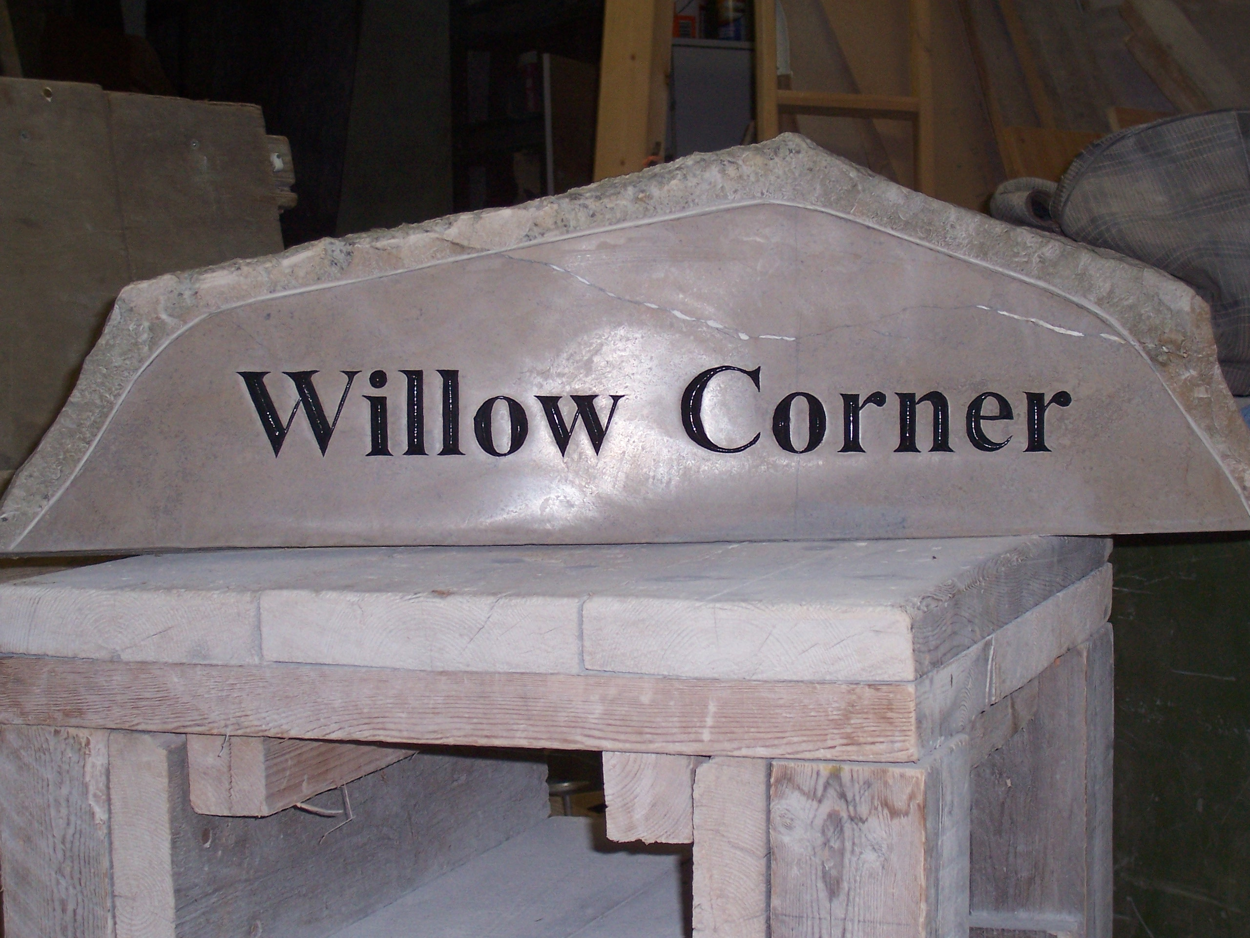 'Willow Corner' - carved sign